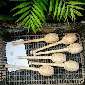 Helder Gandra glueing handles